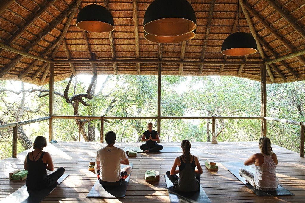 Wellness Travel: 16+ Địa Điểm Du Lịch Chăm Sóc Sức Khỏe Bậc Nhất